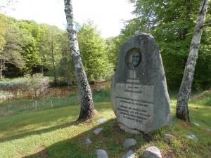 Jørgen W. Larsens mindesten